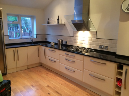 kitchen tiler manchester